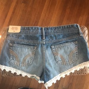 Hollister Shorts - NWT Lace Trim Distressed Hollister Jean Shorts